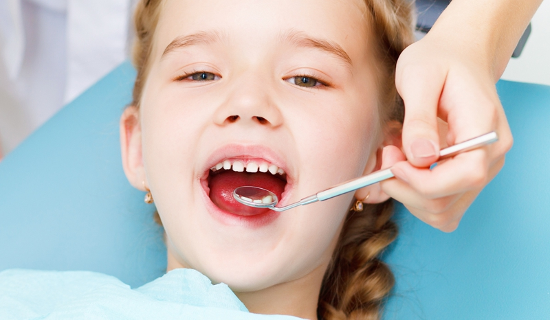dentista en sevilla para niños